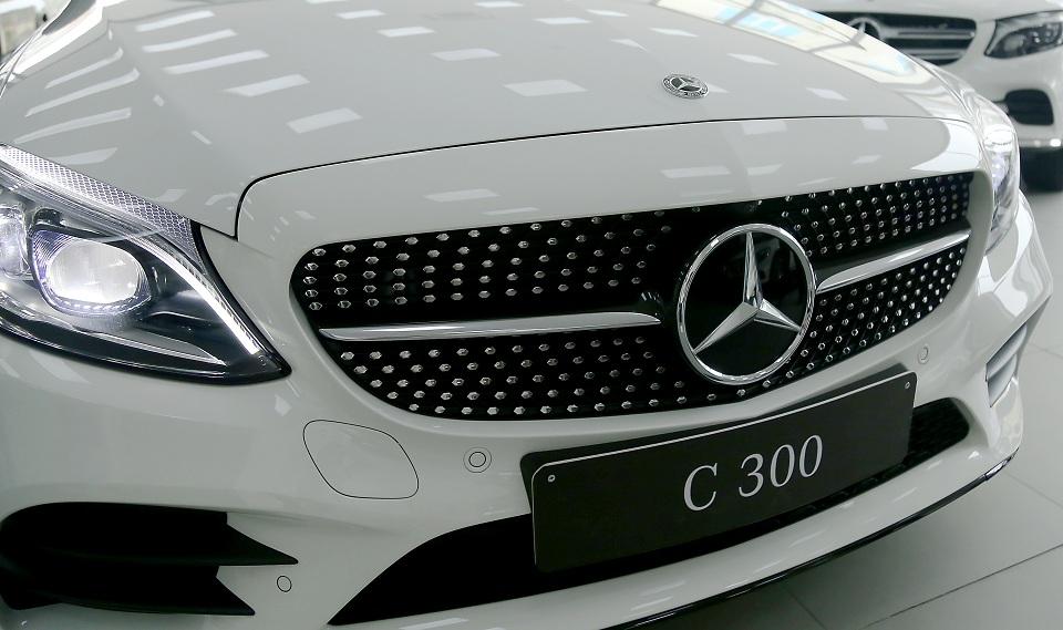Logo xe Mercedes