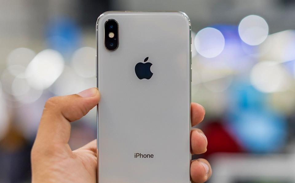 Nhãn hiệu Apple trên điện thoại iPhone